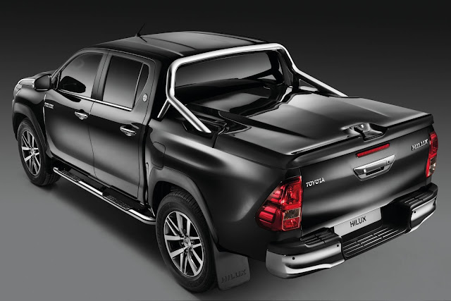 Toyota Hilux Chrome Edition