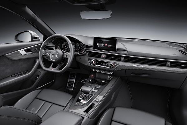 Audi S4 Sedán