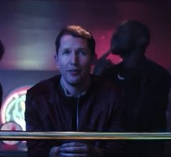James Blunt lança clipe de Love Me Better