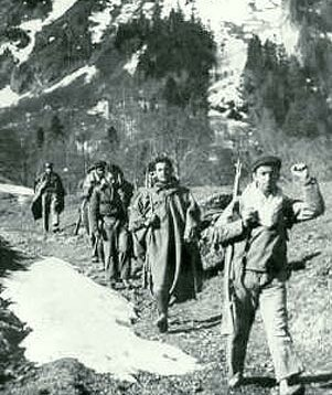 Imagini pentru maquis cruzando los Pirineos