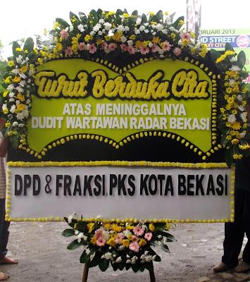 Toko Bunga Jatiasih - Turut Berduka Cita