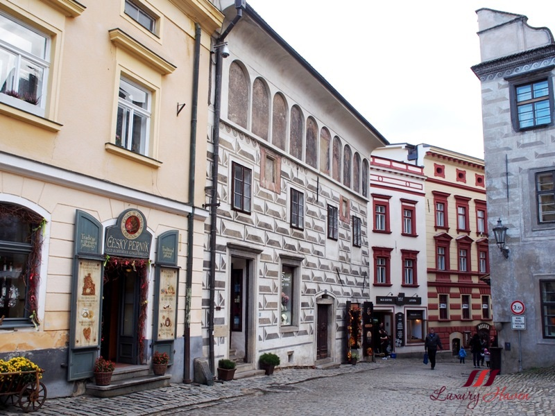cesky krumlov old town walking tour