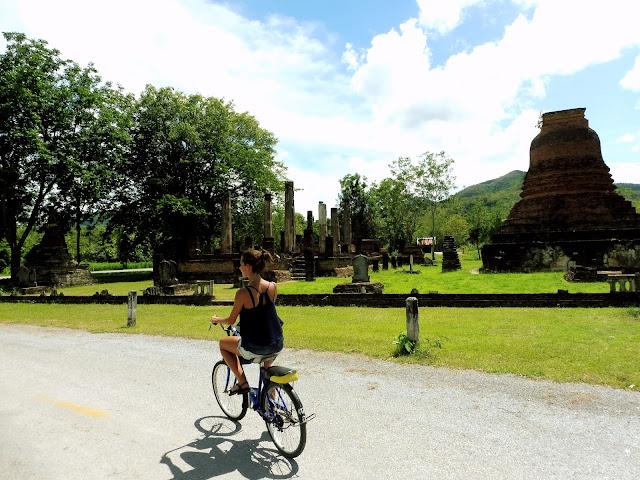 alquilar bici sukhothai