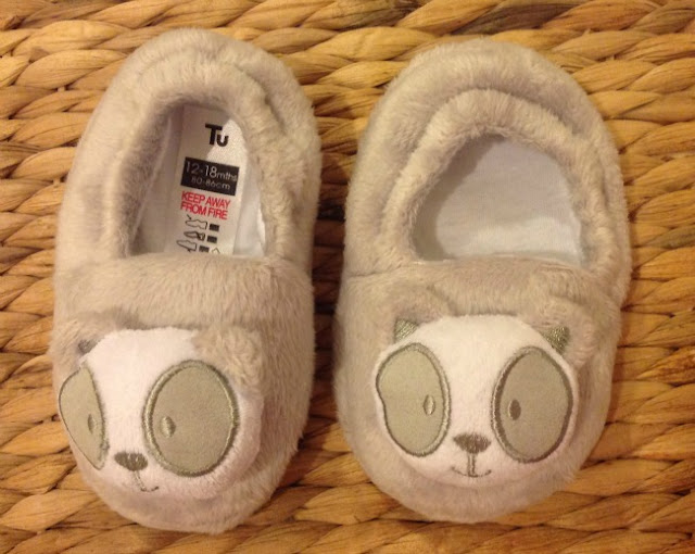 A pair of slippers