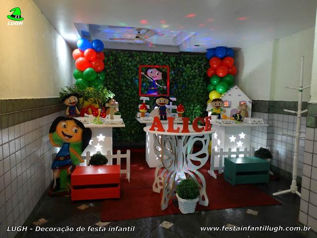 Decoração de festa infantil da Luna para aniversário feminino - Provençal simples com muro inglês e elipse