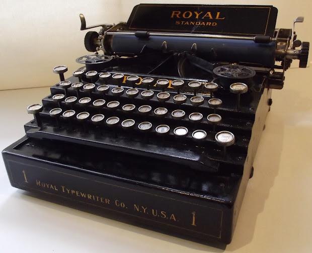 Oz.typewriter Typewriters Sun 2 And Royal