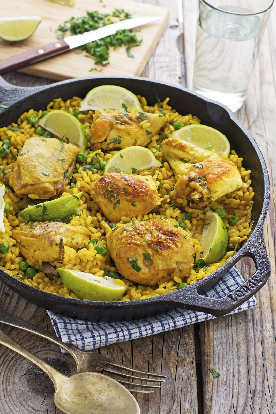 Easy One-Pot Turmeric Chicken and Rice