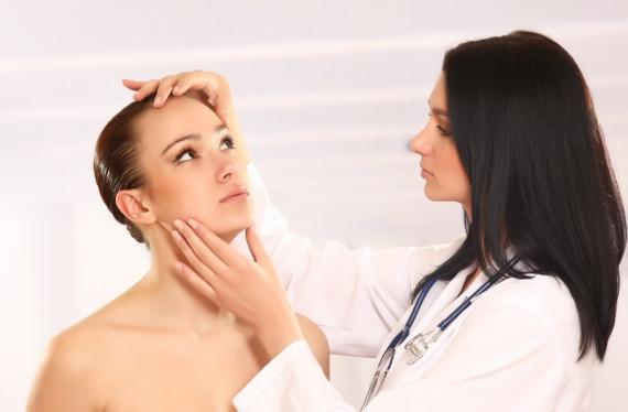 dermatologistas de famosos acne