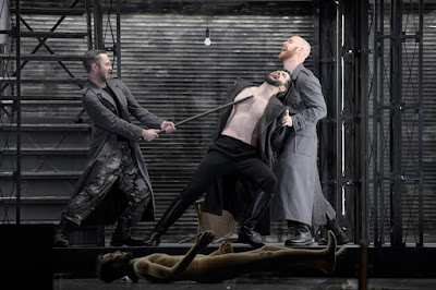 Meyerbeer: Le prophète - Andrew Dickinson as Jonas, Seth Carico as Count Oberthal, Derek Welton as Zacharias  - Deutsche Oper Berlin (Photo Bettina Stöß)
