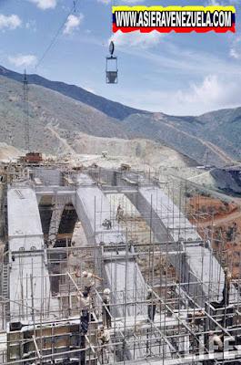 La construcción de la Autopista Caracas - La Guaira