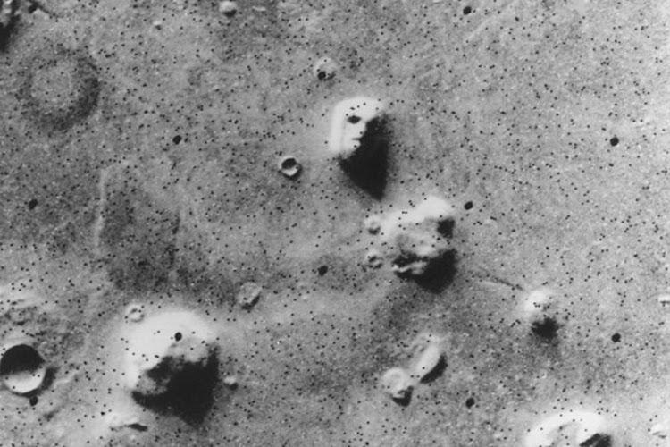 Một khuôn mặt người trên Sao Hỏa? Hình ảnh: NASA/Viking 1.