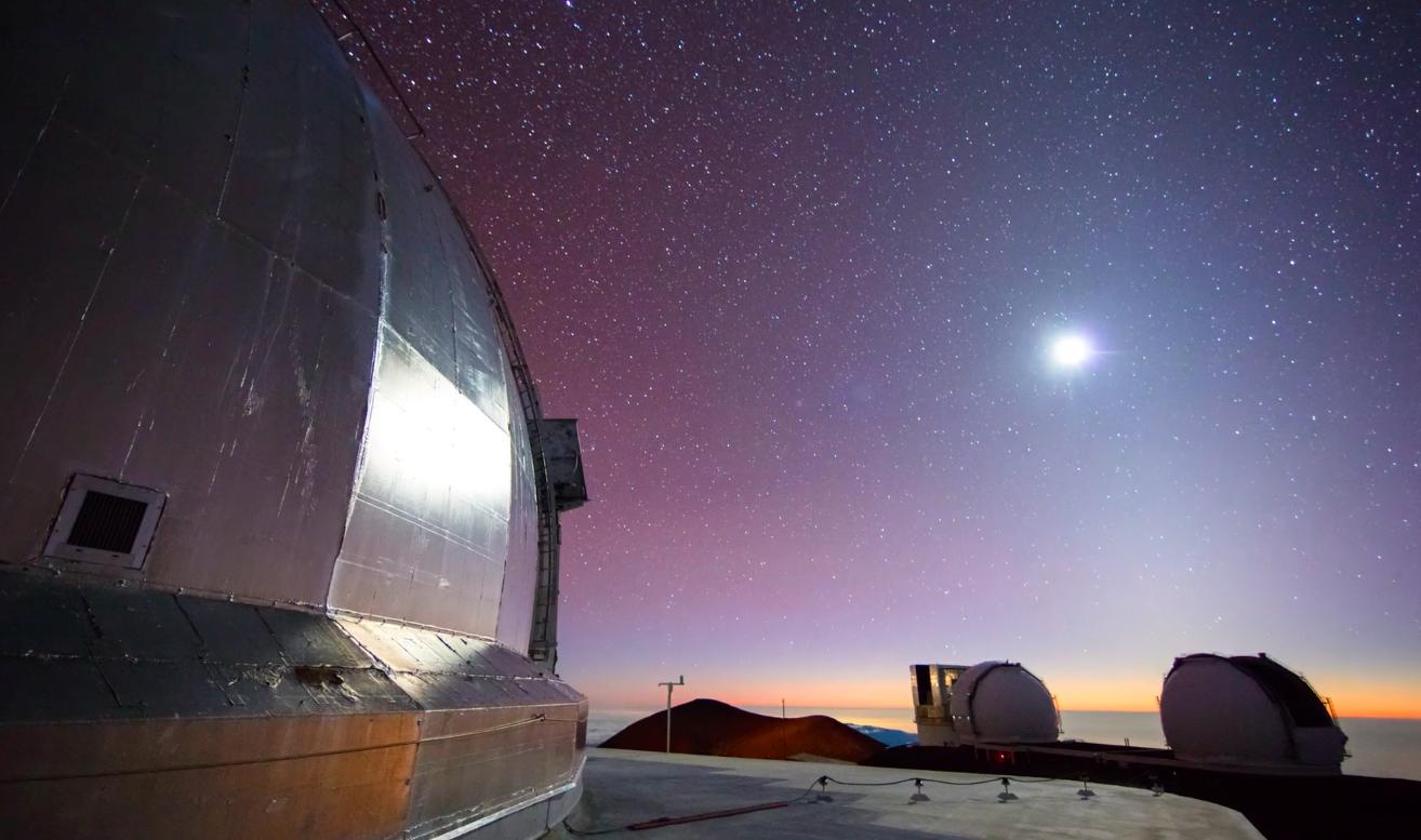 POLI'AHU Timelapse | Der Sternenhimmel über dem weißen Berg auf Hawaii