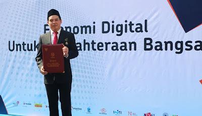 CEO Net1 Indonesia Terima Satyalancana Pembangunan Bidang Komunikasi dan Informatika