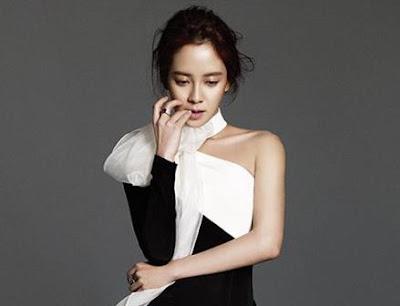 Gaya Rambut Updo Song Ji Hyo