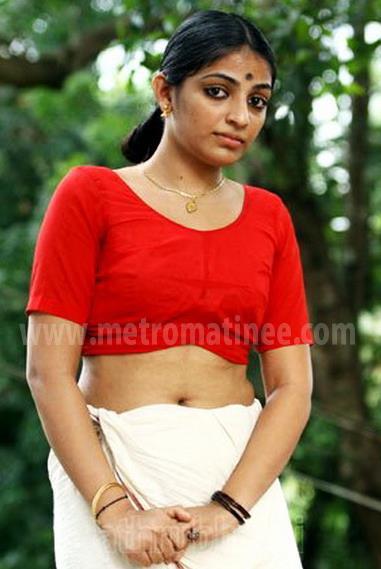 hot story: malayalam actress Mythili hot look