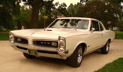 1966 Pontiac GTO Hardtop Coupe Front Left