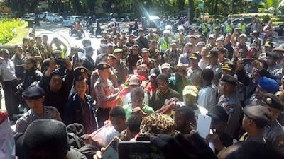 32 Mahasiswa Papua Ditahan oleh Polresta Malang Saat Melakukan Aksi Demo Damai
