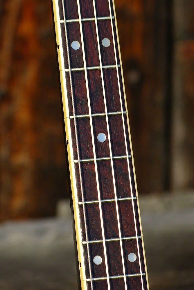 2013 10 01 archive moreover Hosa Mid 201 Dual Midikabel 1m likewise Tenor And Plectrum Guitars in addition Silvertone Autoharp By Oscar Schmidt 1960 S further secondhandbanjo. on oscar schmidt plectrum banjo