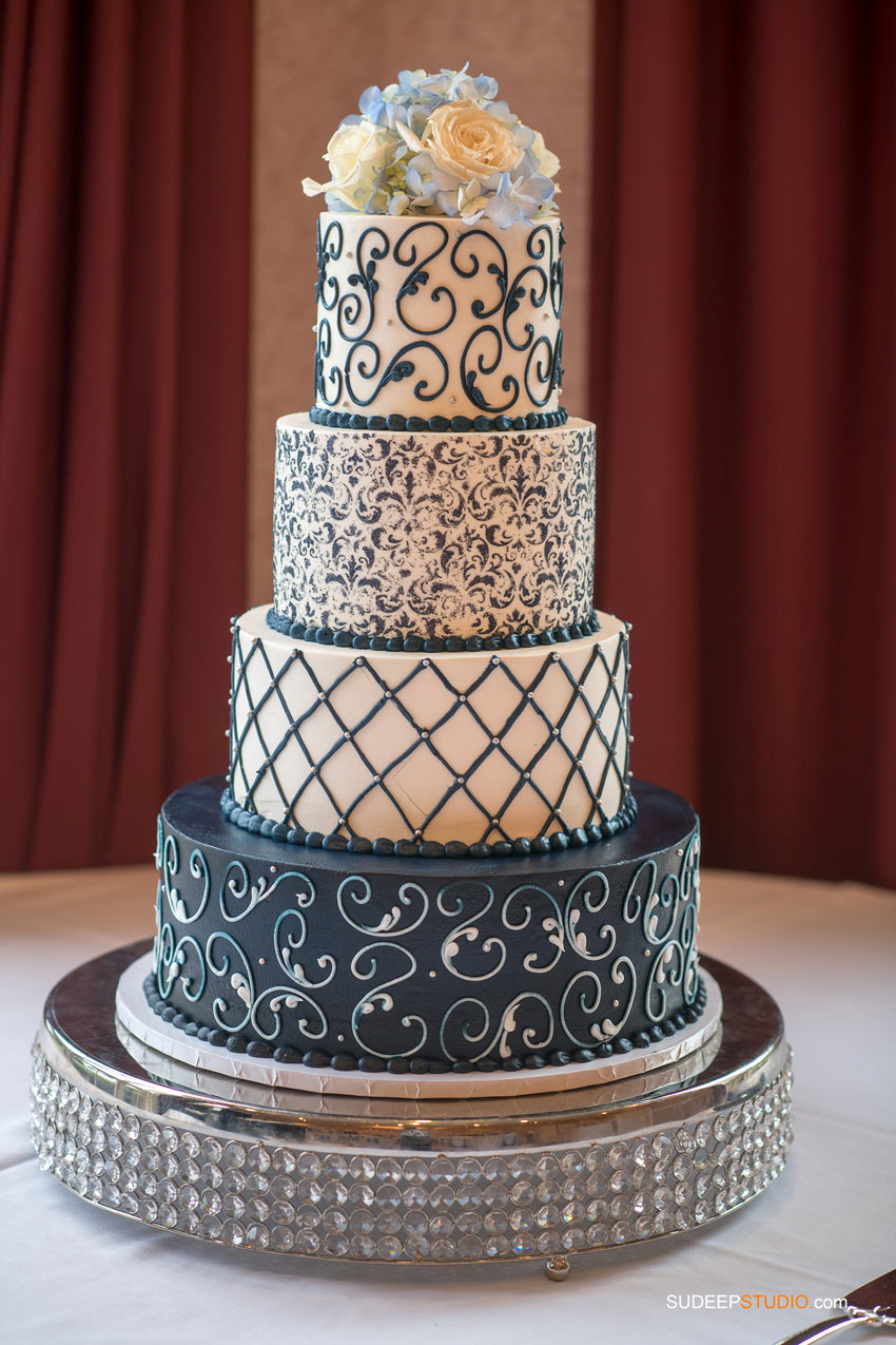 Gorgeous Wedding cake by SudeepStudio.com Ann Arbor Wedding Photographer