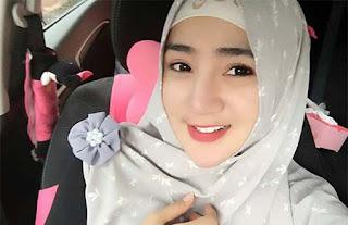 Bella Nafa Pakai Hijab