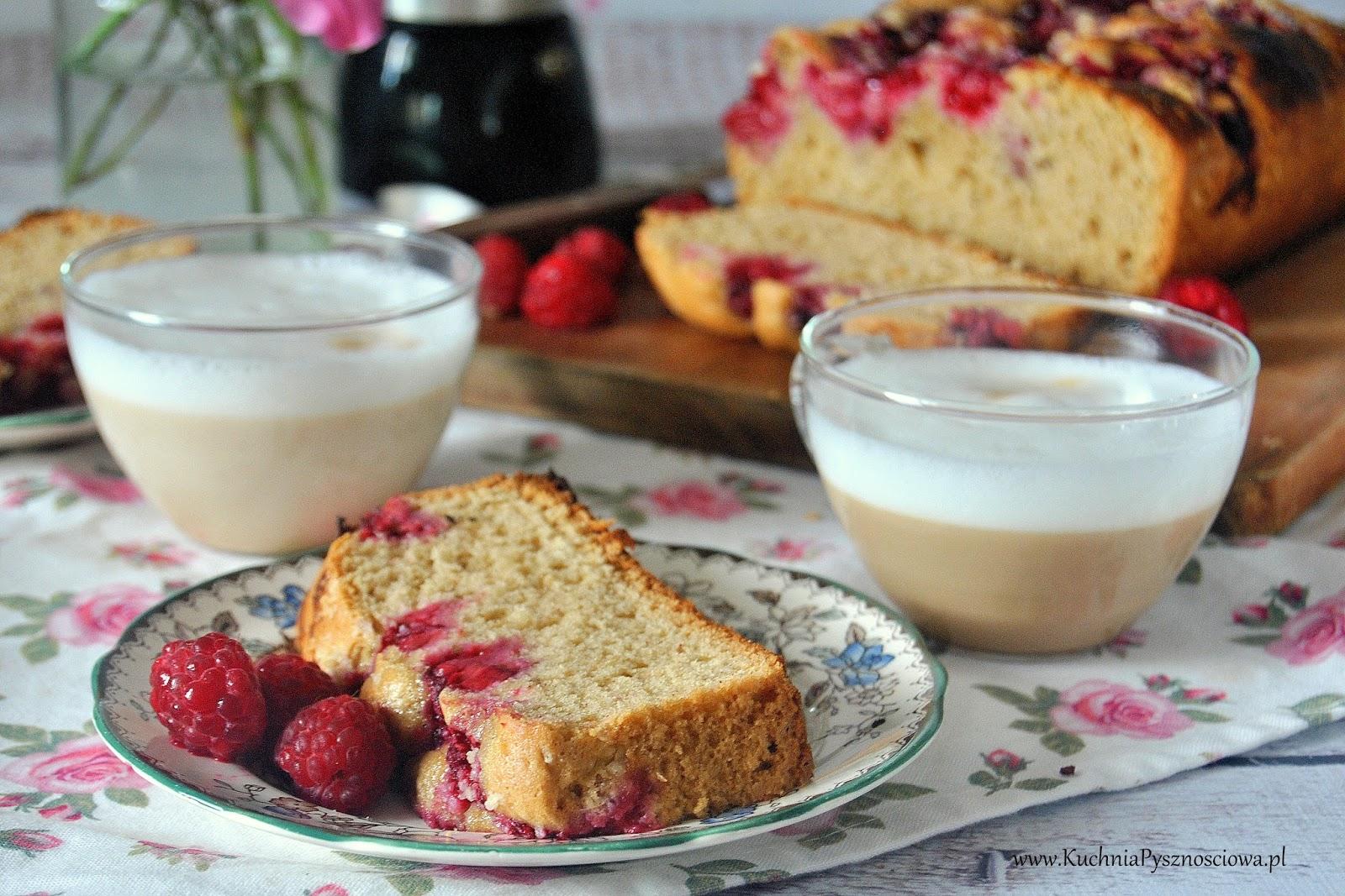 528. Ciasto z masłem orzechowym i malinami