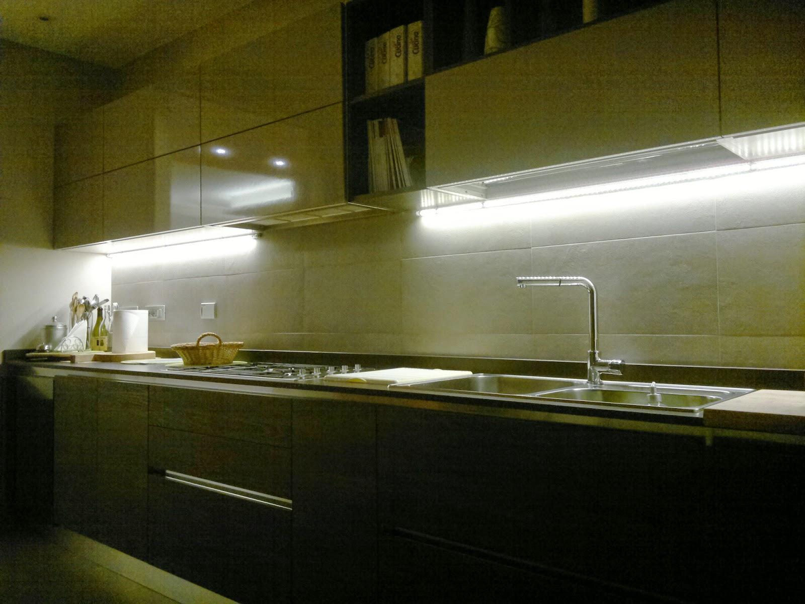 Illuminare la cucina di casa: illuminazione cucina led elegante