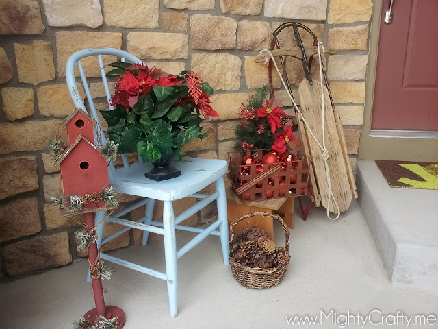 Christmas Porch - www.MightyCrafty.me