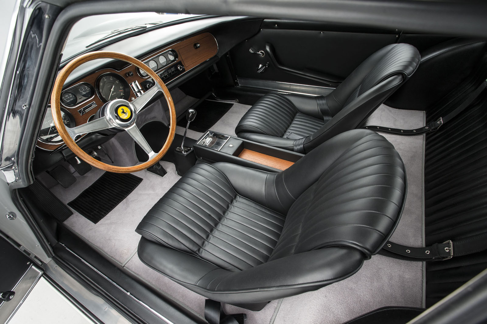 Ferrari275_interior.jpg