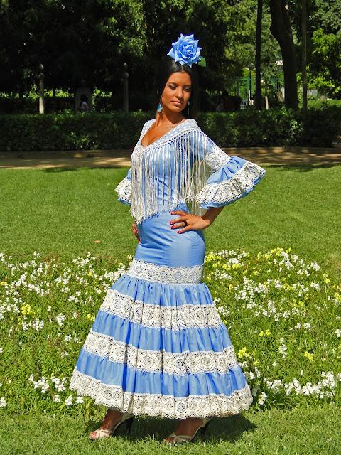 Traje de flamenca celeste