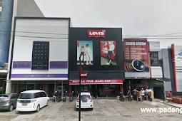 Lowongan Kerja Padang: Levi's Store April 2018