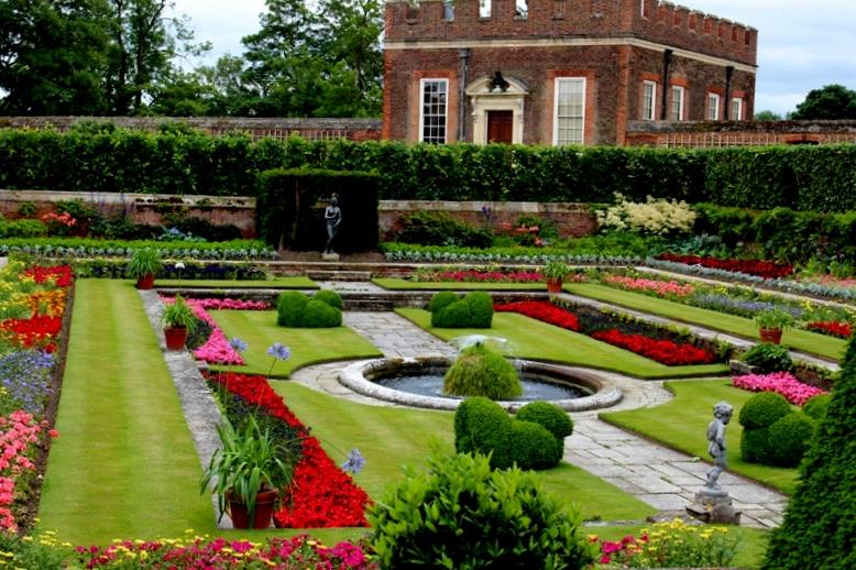 Roses In Garden: Historic Royal Palace: Hampton Court Maze And Gardens