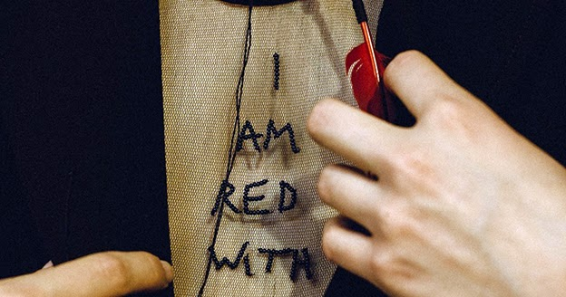 ed95be25b94 TE DORE  I AM RED WITH LOVE