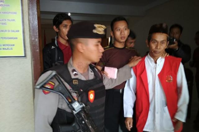 Curi Sebatang Kayu, JPU Tuban Denda Parman Rp.500 Juta