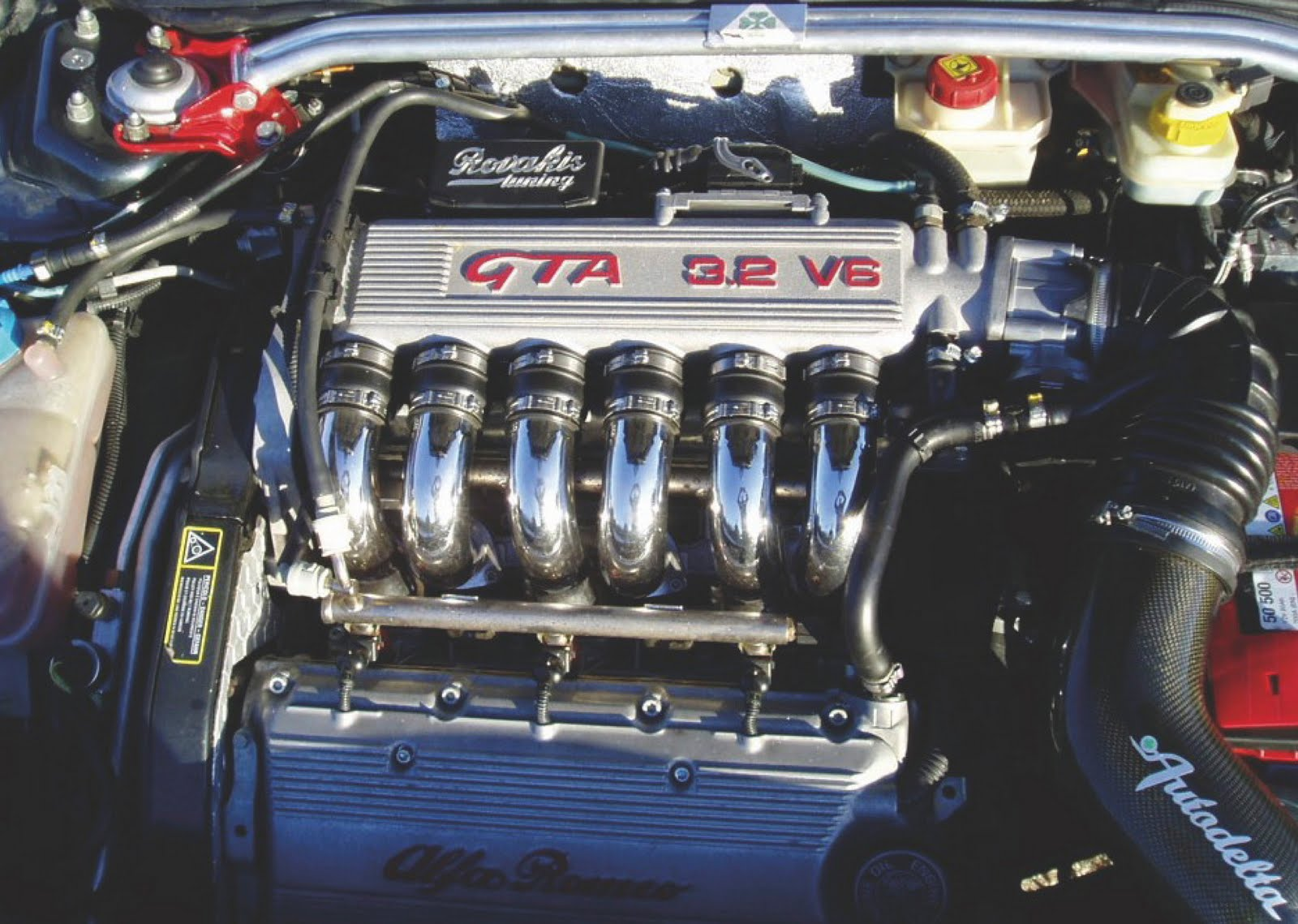 THE ALFA ROMEO V6 ENGINE HIGH-PERFORMANCE MANUAL IS NOW AVAILABLE