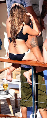 1j - Hot Felon, Jeremy Meeks leaves wife for Top Shop billionaire heiress Chloe Green