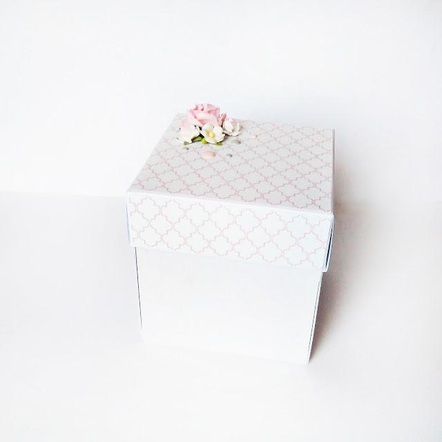 Box z pudełeczkiem