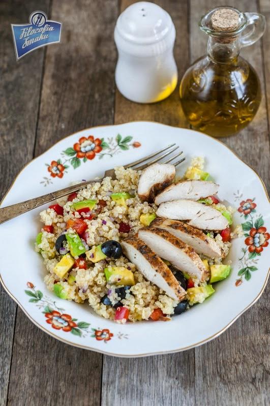 Sałatka z komosą ryżową i kurczakiem