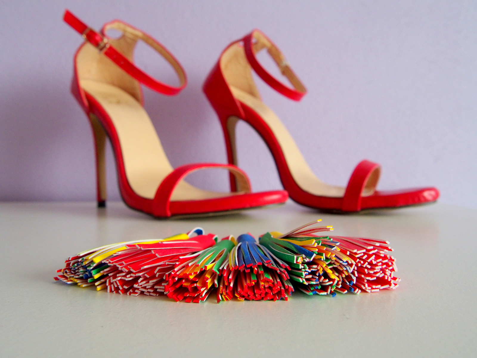 DIY: tassel sandals