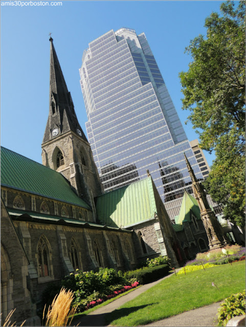 Catedral de Christ Church & KPMG Tower, Montreal