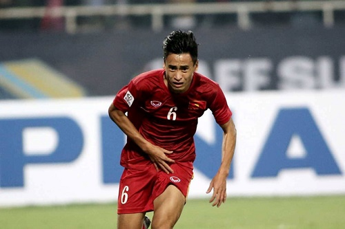 Vũ Minh Tuấn trong trận thi đấu giữa Việt Nam - Indonesia