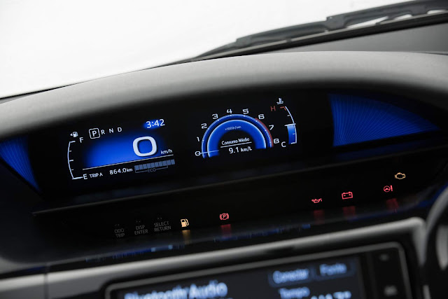 Novo Toyota Etios Automático - painel digital