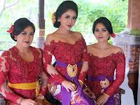 √ 40+ Model Kebaya Bali Modern Brokat Modifikasi Terbaru 2019 ( Hijab & No Hijab )