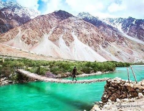salah-satu-objek-wisata-di-tajikistan