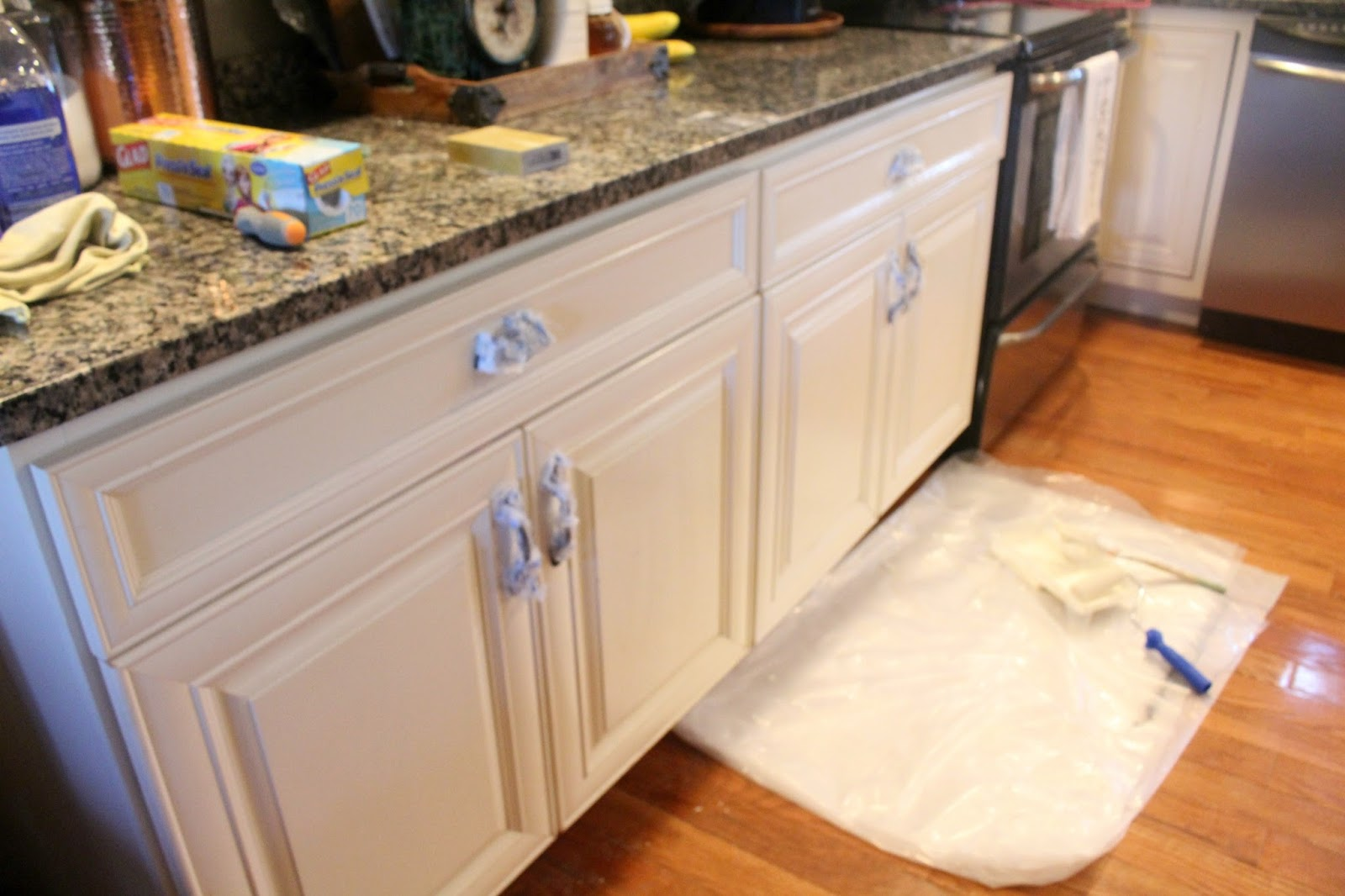 Quickest Way To Paint Kitchen Cabinets Read This Before You Paint Your Kitchen Cabinets The