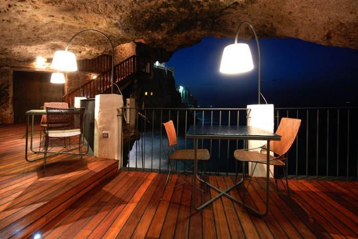 Grotta Palazzese - ресторан у моря 14