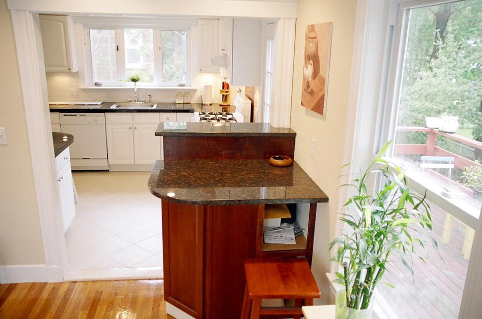 Costco Kitchen Remodel Kitchens Store 波士顿莲邦地产 小厨房的大改造 为了弥补厨房的供暖 在地面瓷砖下铺了suntouch电热网 Radiant Floor Warming Mat 这样冬天走上去是暖洋洋的非常舒服 当然电费也不菲 有一个月用了 400多