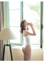 乃木坂46 堀未央奈 2ND写真集 『 いつかの待ち合わせ場所 』