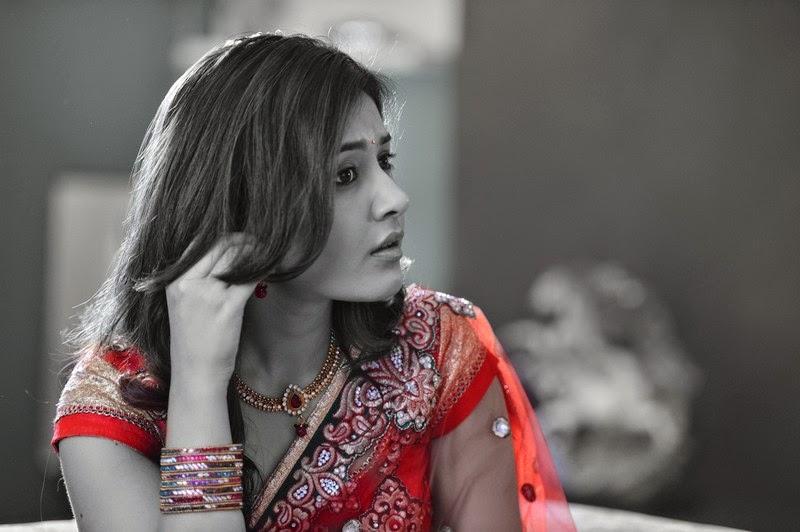 Glamorous Indian Girl Rashi Khanna Navel Show Stills In Red Saree ❤
