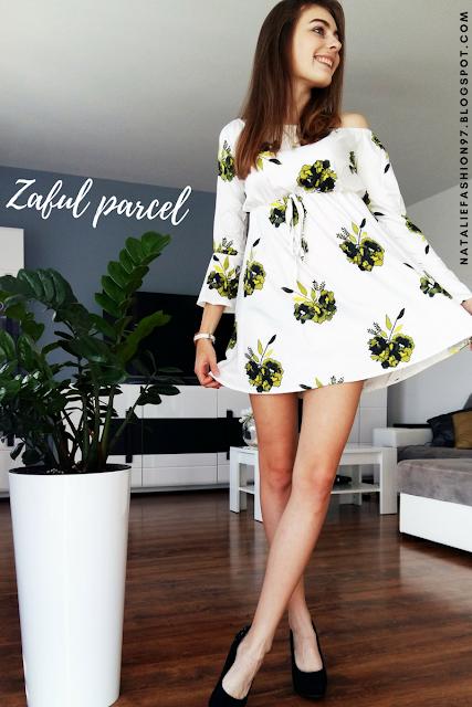https://www.zaful.com/floral-print-long-sleeve-dress-p_297172.html?lkid=11379897