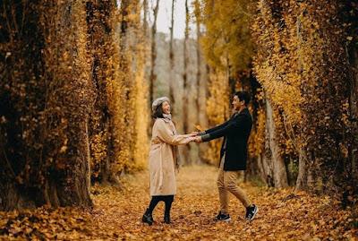 Gaya foto romantis bareng pacar terbaru